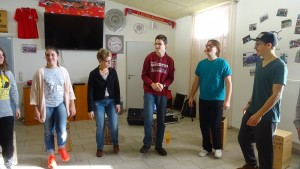 Vorstellungsrunde in rhythmischem Takt.