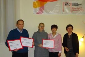 V.r.: Gabi Hofmann mit Ulrike Freiseis, Kirsten Schmitz und Pfarrer Woschek, der ebenfalls zwei Spenden für die Kirchengemeinde erhielt.