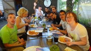 Unsere Minigolfer beim gemeinsamen Abendessen.
